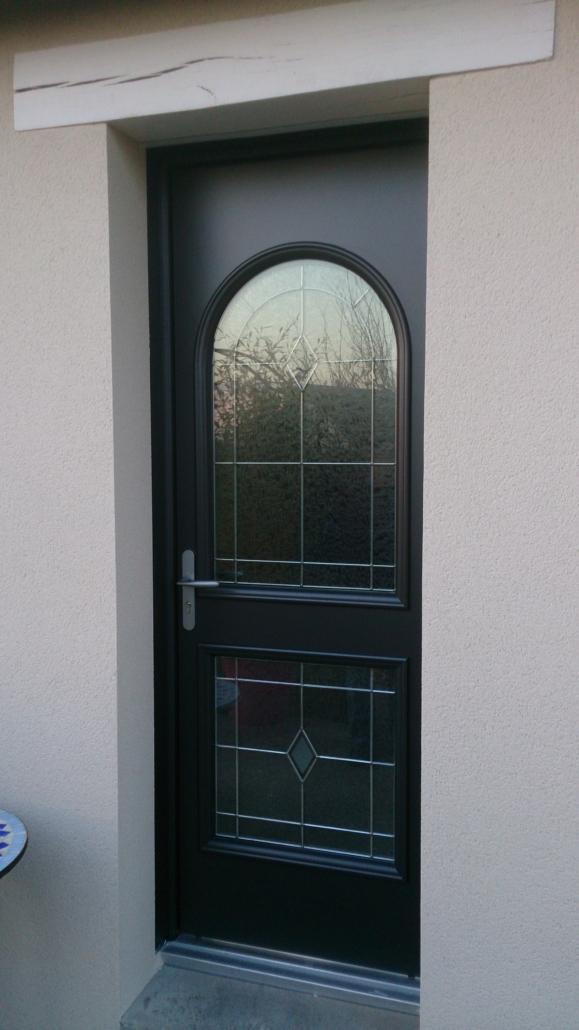 BEAUNEE-3-579x1030 Fabrication et pose de portes d'entrée à Blois Etienne Bouclet