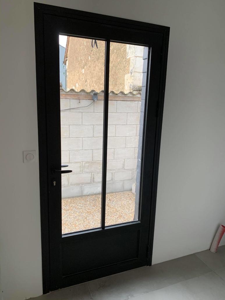 bouclet-exemple-porte-aluminium-773x1030 Fenêtres Etienne Bouclet