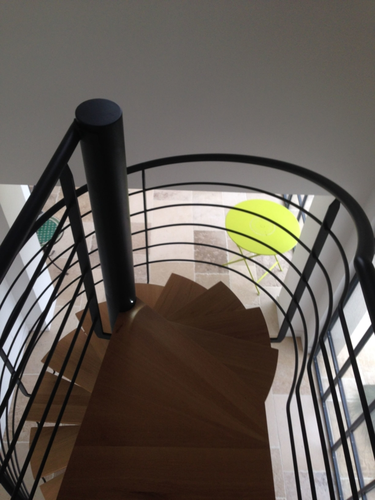 bouclet_17escalier-colimacon-bois-et-acier-scaled-e1593509578378-773x1030 Fabrication et pose d'escaliers à Blois Etienne Bouclet