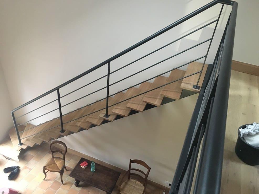 bouclet_17escalier-droit-acier-chene Fabrication et pose d'escaliers à Blois Etienne Bouclet
