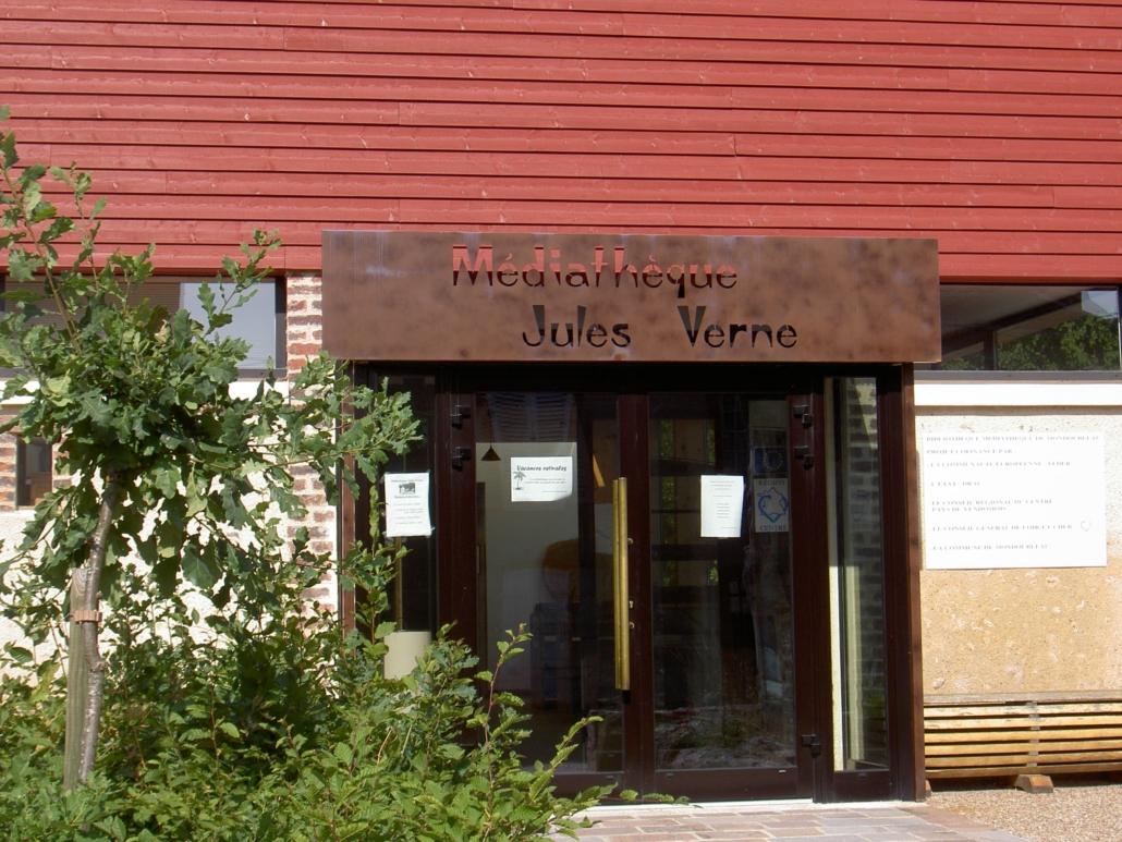 bouclet_22-enseigne-médiathèque-1030x773 Mobiliers, verrières et décoration Etienne Bouclet
