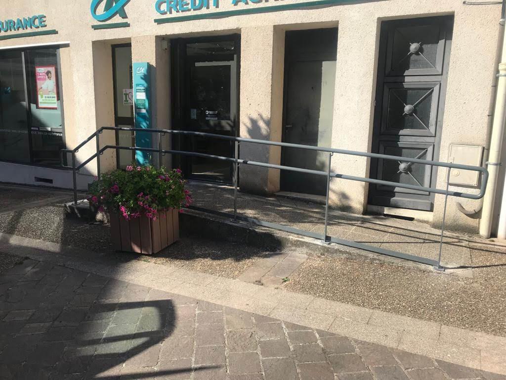 exemple-rampe-accessibilité-crédit-agrciole-mondoubleau Rampes & rambardes Etienne Bouclet